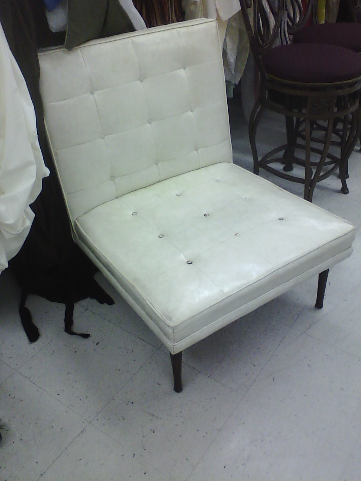 ... V__7ACF & The Poor Manu0027s Barcelona Chair: Restoring a Thrift Store Surprise ...