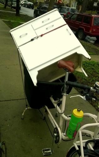 cabinet in cargo bike